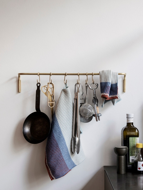 kitchen-rod-brass-ferm_living