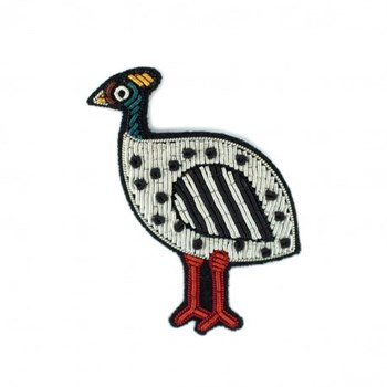 broche-brodee-main-poule-africaine-macon-lesquoy