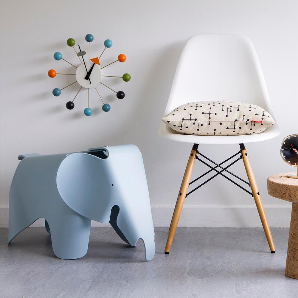 eames olifant. Black Bedroom Furniture Sets. Home Design Ideas