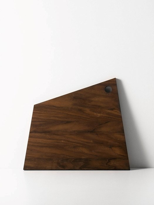 Asymetric-cutting-board-ferm-living
