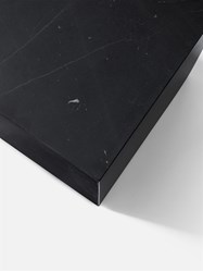 Plinth-table-basse-marbre-menu-noir-4