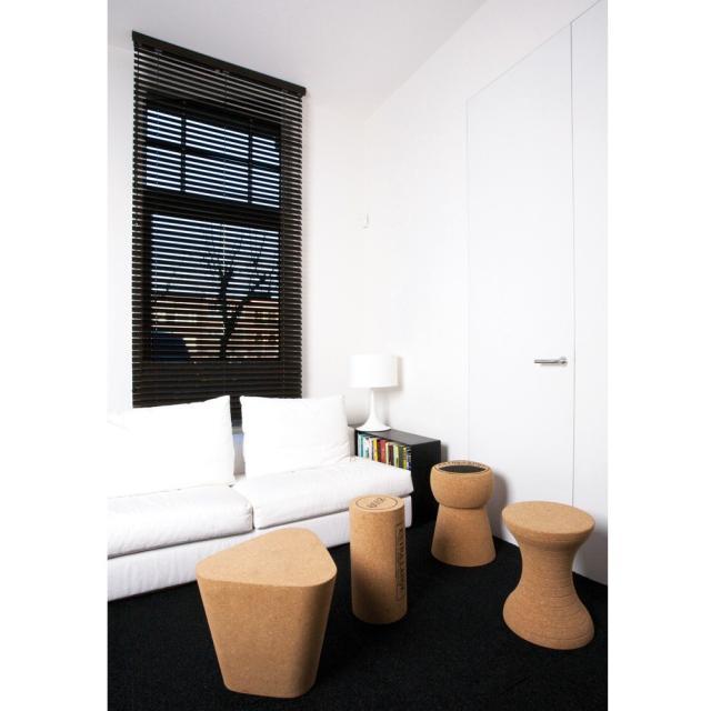 tabouret design bouchon de champagne. Black Bedroom Furniture Sets. Home Design Ideas